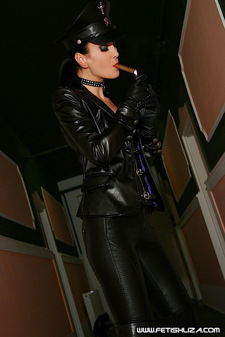 Top 10 Cigar Smoking Tricks To Impress Your Friends Top