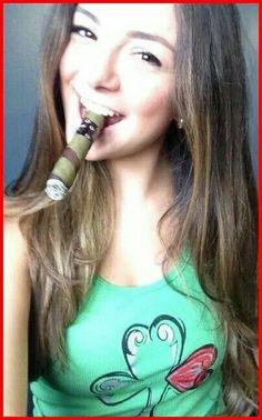 http://cigarmonkeys.com/wp-content/uploads/2018/05/Top-100-HOT-Cigar-Ladys-Selfie-9.jpg