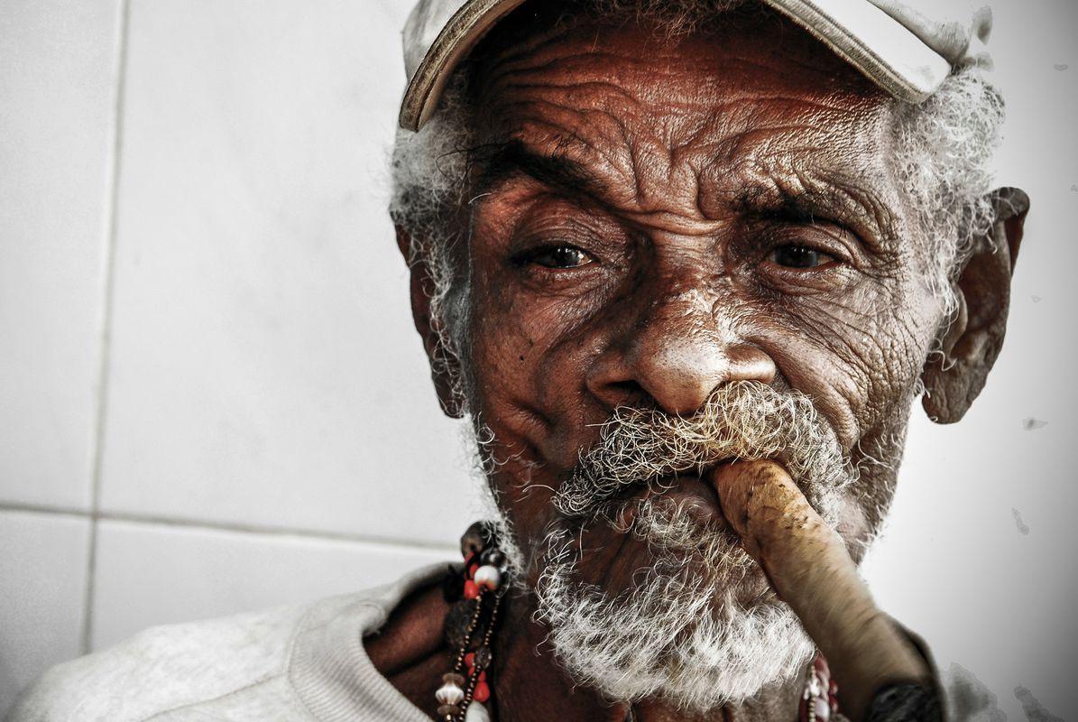 9c8f135e3 TOP 110 Cuban Cigar Aficionado Photos – Cigar Monkeys