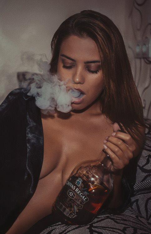 starting cigars hot women ladies