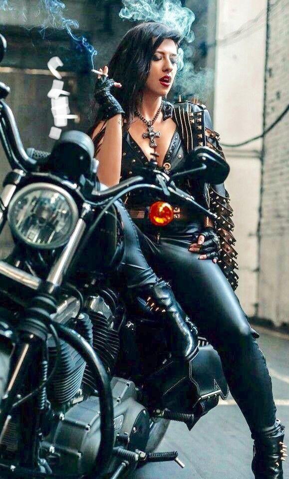 Hot Female Riders Smoking The Cigarmonkeys