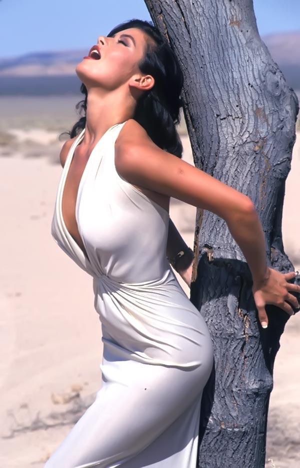 Catherine Zeta Jones   Smoking - 200 Hot Nude Sexy No