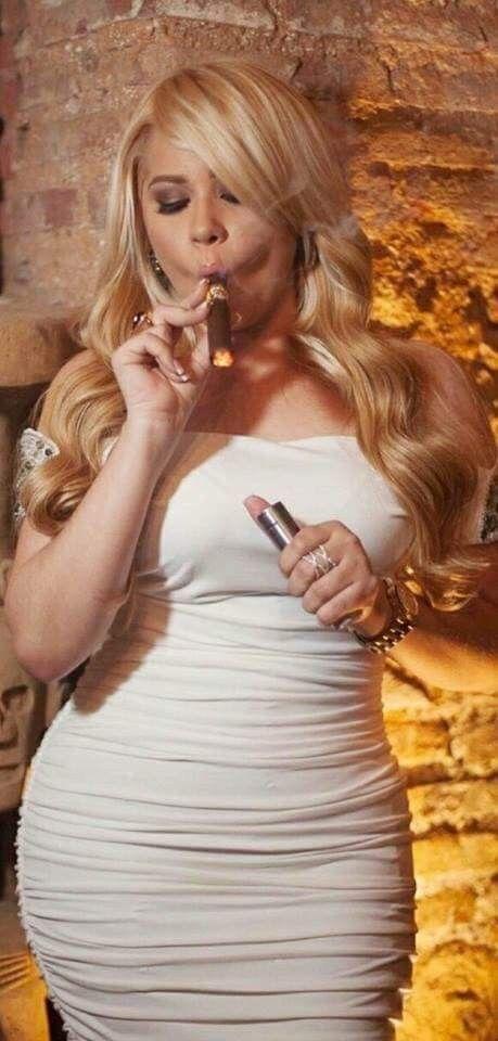 TOP 100 Cigar Smoking MILF - cigarmonkeys.com - cigar life