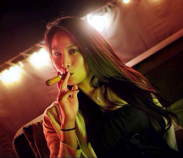 TOP 100 Pretty Cigar Smoker Women