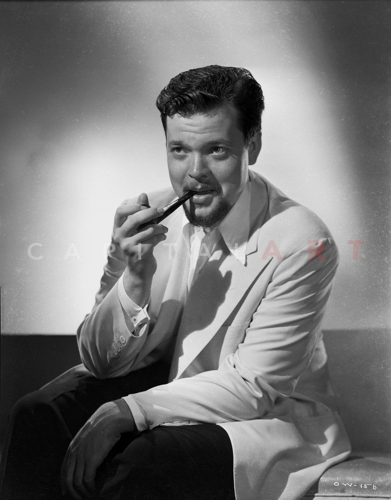 Orson_Welles_-_Cigar_Idol_-Smoking