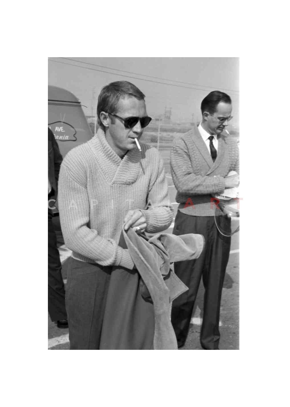 Steve_McQueen_smoking_cigarette_cigar_cigarmonkeys.com