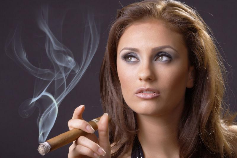 Milf Zigarre Rauchen Frauen